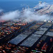 In November 2015, the port of Bremen / Bremerhaven has strung the fifth consecutive month of decline in the goods traffic having moved less than 5.9 million tons of cargoes, with a decrease of -3.3% compared to almost 6.1 […]