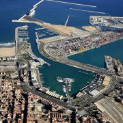 "Valencia, July 3rd 2017. – Since the 1st of July, the ""T1"" or Vessel charge that is applied to ships that operate in the ports of the Port Authority of Valencia has been reduced by 12.28%, removing the correction coefficient […]"